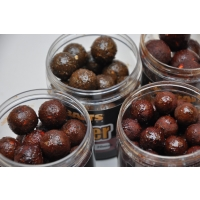 Mikbaits Gangster boilie v dipu 250ml
